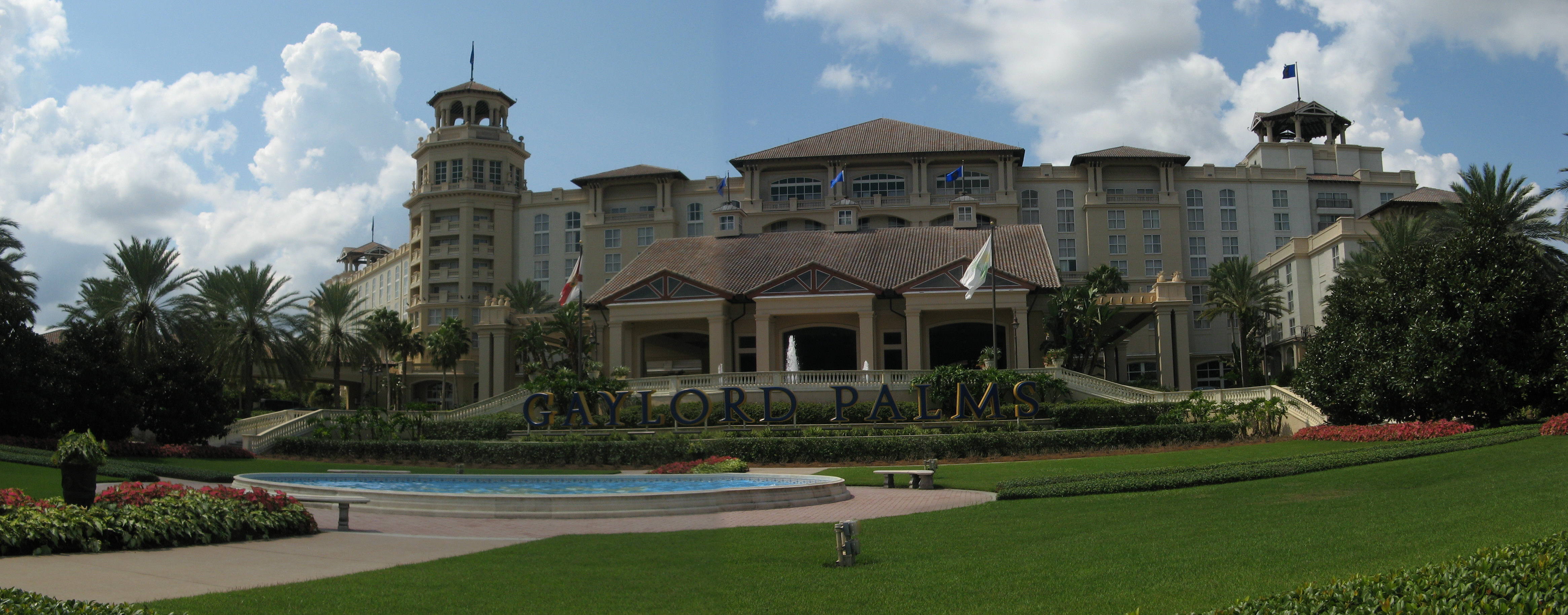 Panorama.Gaylord_Palms_Front